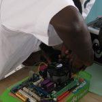 Une usine d'assemblage d'ordinateurs en vue au Cameroun
