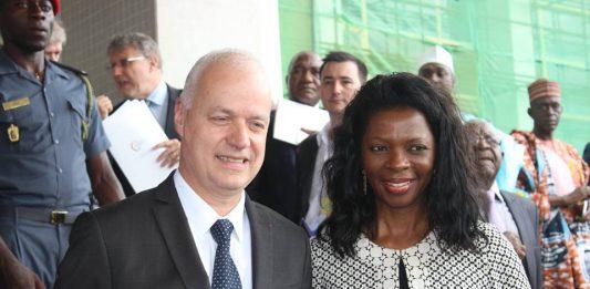 Cameroun : Orange nie avoir des factures impayées chez Camtel qui menace à nouveau de tout couper