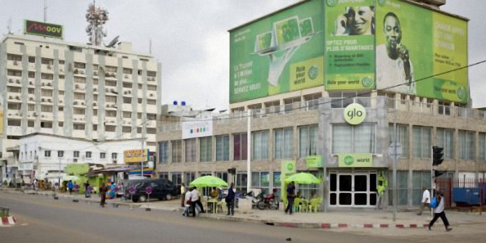 Un bureau de Glo à Cotonou. | © Jacques TORREGANO pour Jeune Afrique