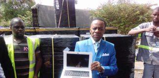 """Jacques Fame Ndongo : """"L'étudiant ne paye absolument rien pour un ordinateur dont le prix de revient est de 300 000 F.Cfa"""""""