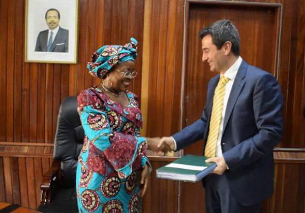 MTN Cameroun signe avec l'Etat