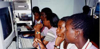 TIC : Le Gabon met les jeunes filles à l'honneur